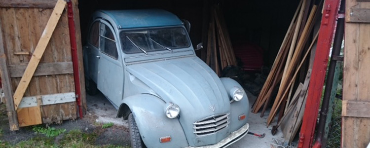 Lyseblå Citroën 2CV4